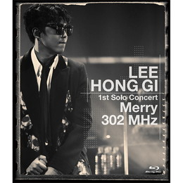 LEE HONG GI 1st Solo Concert「Merry 302 MHz」【通常盤Blu-ray】